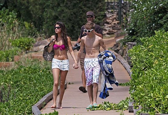 pictures of selena gomez and justin bieber on the beach. Selena Gomez Bikini Pictures