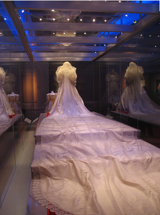 princess diana wedding dress photos. princess diana wedding dress.