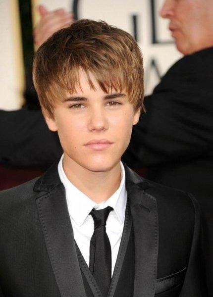 justin bieber 2011 new haircut hot. justin bieber 2011 haircut