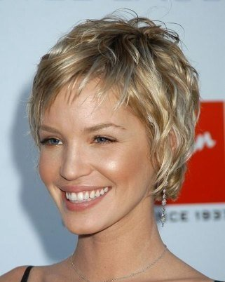 short hairstyles wavy hair. short hair styles for women