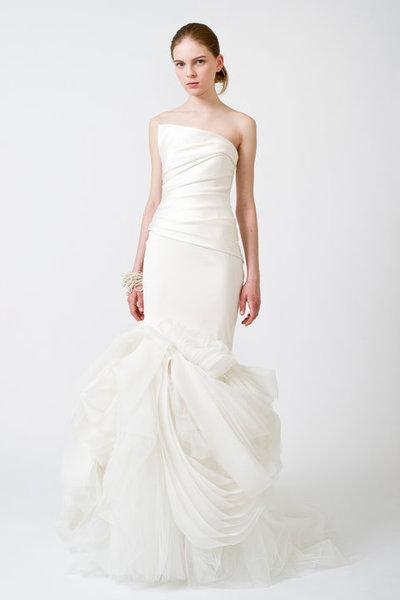 Bridal Gowns Vera Wang on Vera Wang Bridal Gown On Wedding Dresses Vera Wang 2011 Vera Wang Has
