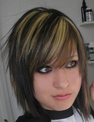 emo hairstyles for medium length hair. emo hairstyles for girls with medium length hair. Emo hairstyles explain emo
