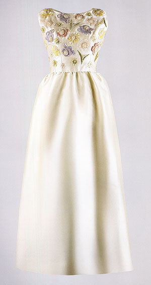 jackie kennedy style wedding dress. jackie kennedy wedding gown.