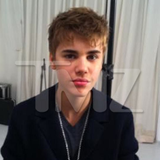 justin bieber haircut new look. justin bieber haircut new look. ShareJustin Bieber shocked